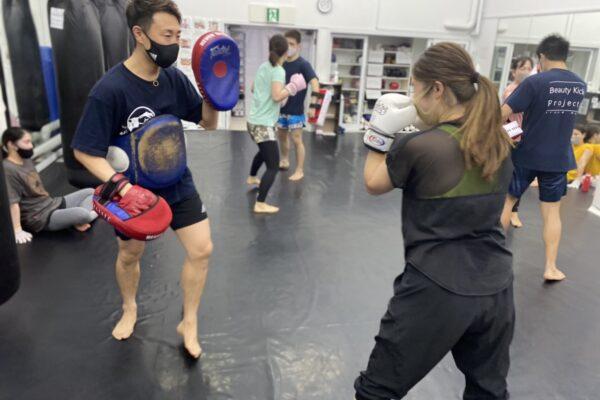 キックボクシングのパーソナルトレーニングもとても人気です!